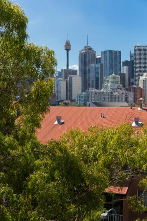 Metro Aspire Hotel Sydney: City View from some balconies