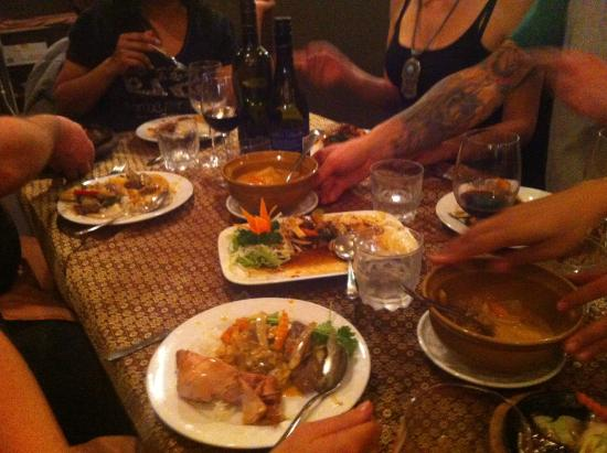 Nickie's Thai Restaurant & Bar: Yum Yum Yum Yum Yum!
