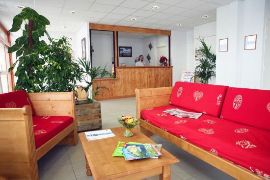 Residence NEMEA Les Chalets des Cimes: Accueil de la résidence