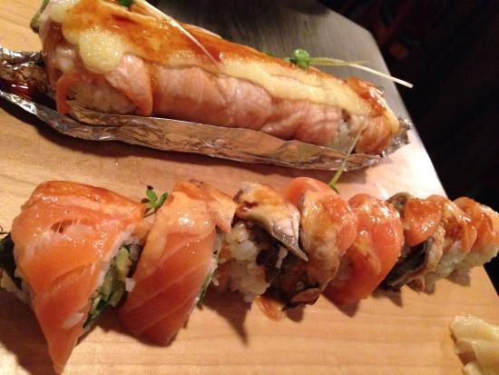 Joshu-Ya: Lion King roll (top) is baked, Tiger roll (bottom) - both are popular and for good reason, delic