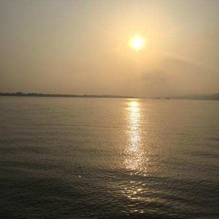 Divar Island Guest House Retreat: Catch a sunrise while crossing the river