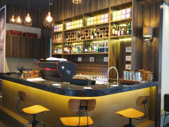 Interior Lighthouse Bistro Bar Area - Picture of Lighthouse Bistro ...
