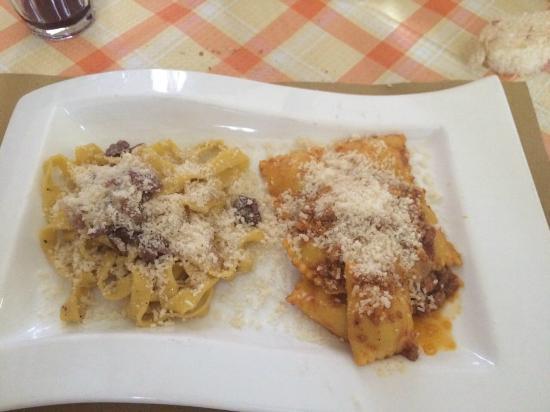 Osteria La Civichella: Tagliatelle scalogno e crudo e ravioli di patate e sugo di salsiccia