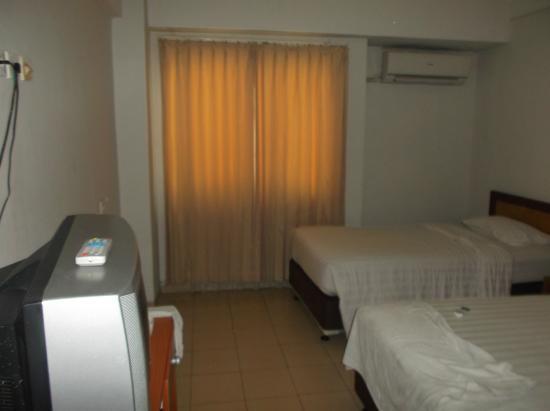 University Hotel : Room in entry