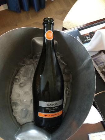 Castlemartyr, Irlande : Dont book Champagne to the room. You get Prosecco