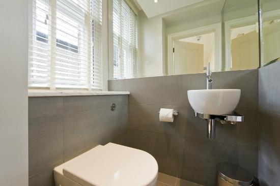 Go Native Mayfair: Bathroom