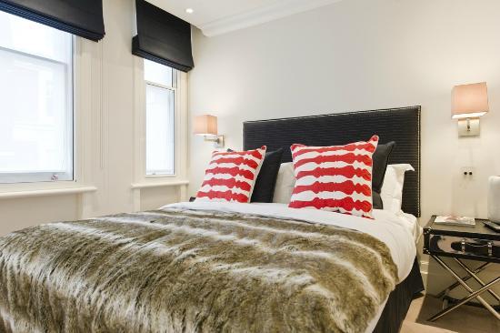 Go Native Mayfair: Premium One Bedroom