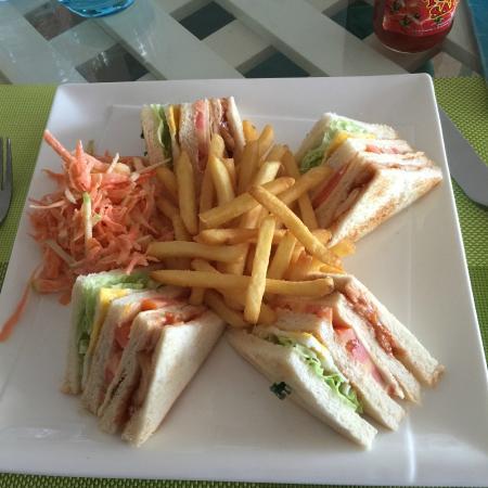 Symphony Solo : Good Club Sandwich