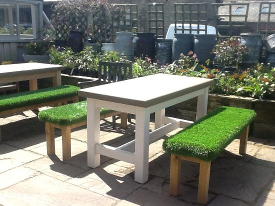 Scorton, UK: AstroTurf benches... Only at The Barn