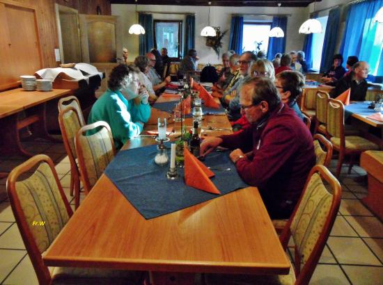 Hotel Landgasthof Zwickl: Aan tafel voor het diner .
