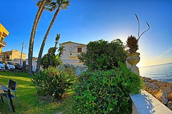 Awesome la terrazza sul mare avola photos idee arredamento casa santa