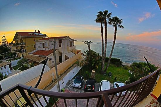 Beautiful Sunrise view - Foto di B&B La Terrazza sul mare, Avola ...