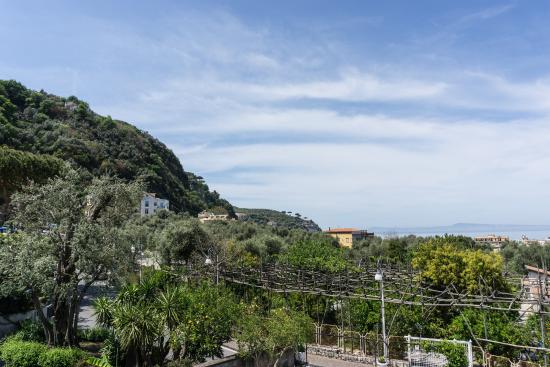 Villa Adriana Guesthouse Sorrento: Coast/hill view