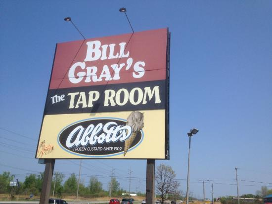 ‪‪Ontario‬, نيويورك: Bill Gray's - front sign‬