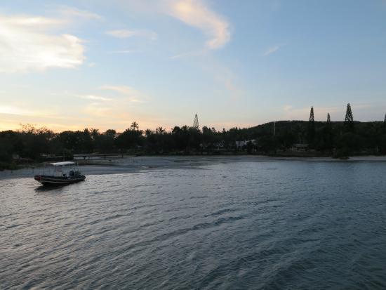 Hotel Malabou Beach: Blick zu Hotel von kleiner Insel aus