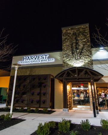 ‪Harvest Seasonal Grill & Wine Bar‬
