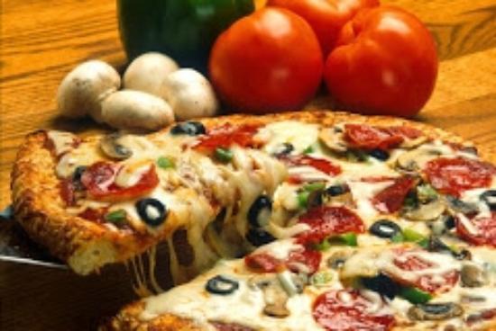 Chucks Famous Pizza
