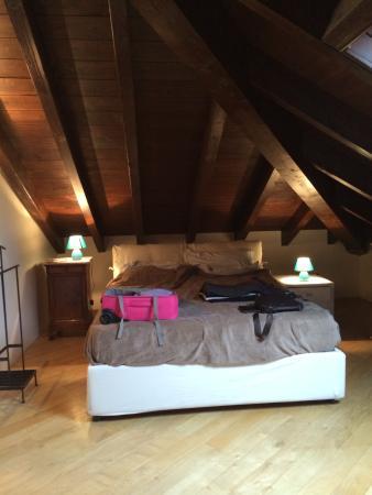 Al Villino Bruzza : Кровать