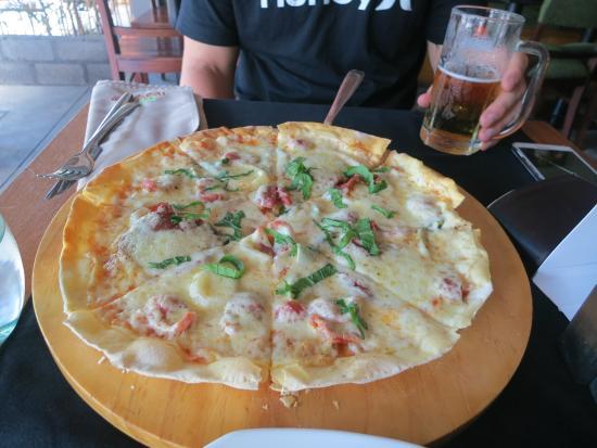Root & Branch Bali, Bistro & Bar: delicious pizza