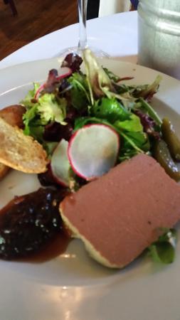 Vin Rouge : Liver Pate Appetizer