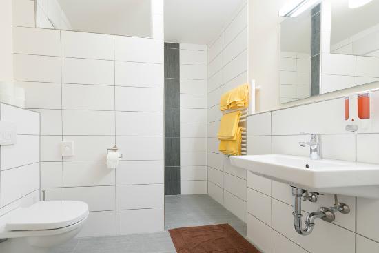 Captivating Schwarzes Ross Wasserzell: Bathroom
