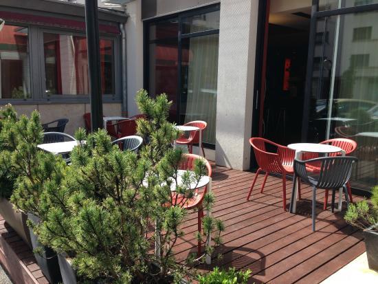 Ibis Annemasse: Terrasse