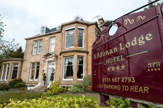 Front of Kildonan Lodge Hotel
