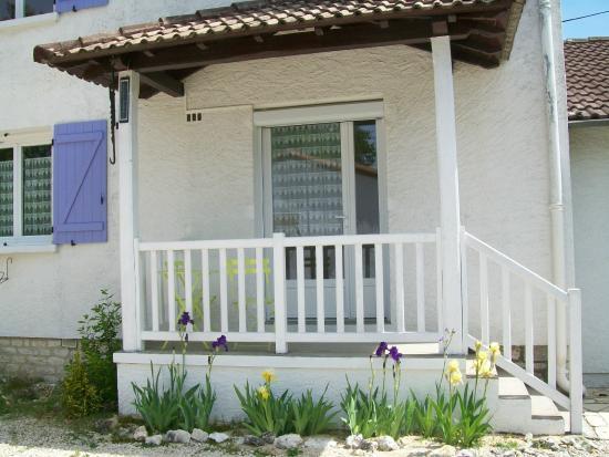 Hotel au Charme du Levat : balcon chambre triple