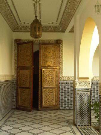 Moulay Ali Cherif Mausoleum: porte dans le mausolée