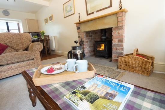 Oaker Farm Holiday Cottages: Winhill Cottage