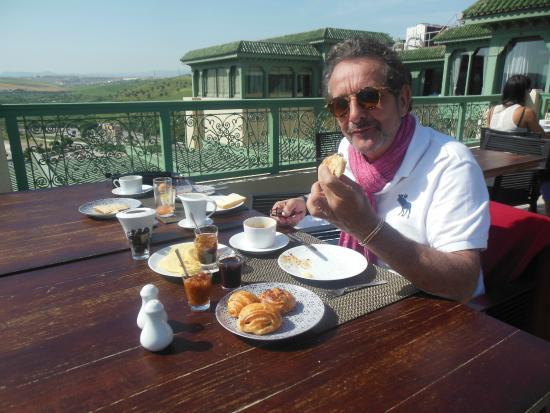 L'Amandier Palais Faraj : Petit déjeuner terrasse du Palais Faraj