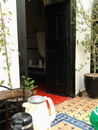 Riad Jomana: entrada a una de las habitaciones de adentro
