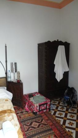 Riad Jomana: Gran ropero