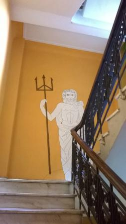 Hostel Zeus: funny pictures on the walls