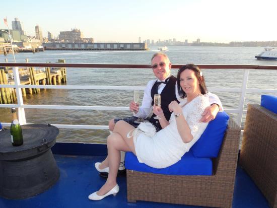 World Yacht : Pre Dinner drinks