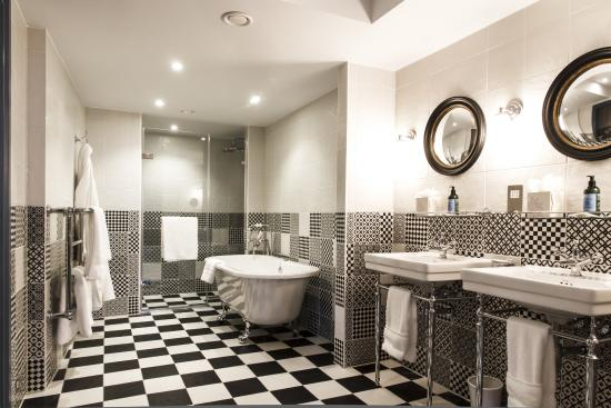 G Bathrooms Leicester Of Leicester House London England Omd Men Och