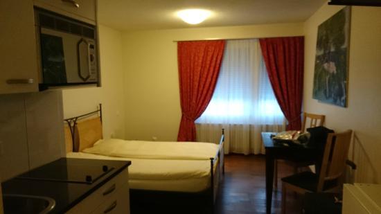 Apartments Zürich-Oerlikon, Friesstrasse 8