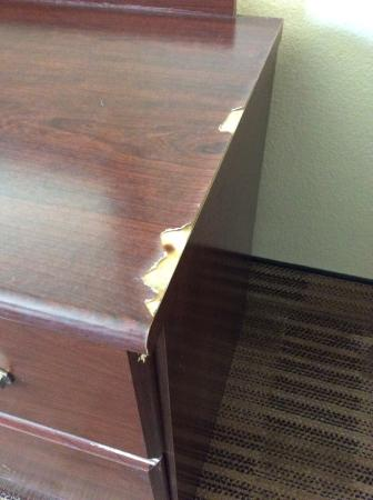Extended Stay America - Stockton - March Lane: Tired tatty furniture