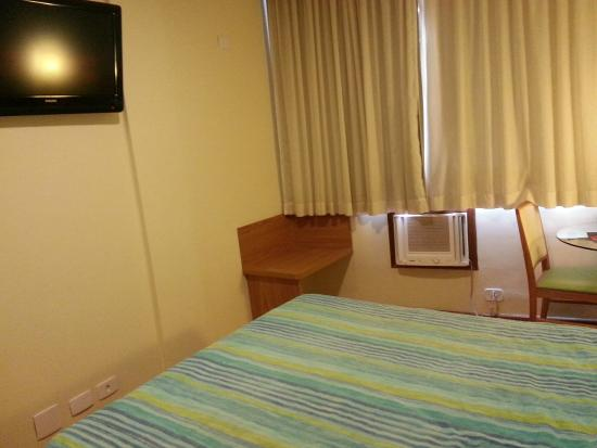 Hotel Astoria Copacabana: Habitacion
