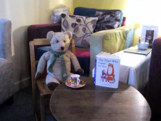 Apple Tree Tea Rooms: Teddy Edward finished & ready to go - thank you Naomi !