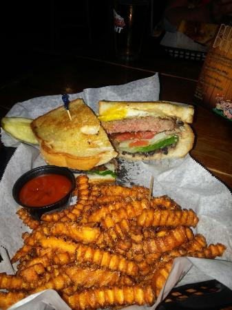 Wells Brothers Bar and Grill: Great place and great food . would recommend to all burger lovers