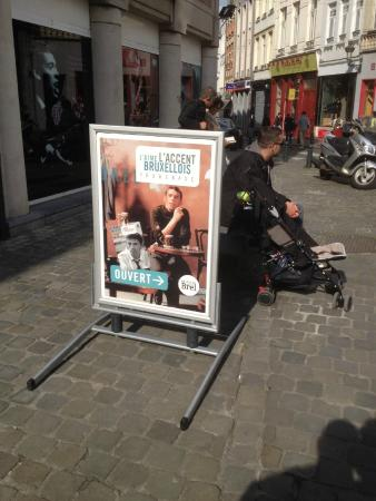 Fondation internationale Jacques Brel: In front of Fondation