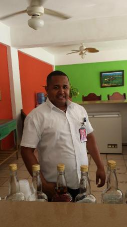 Hotel Beach House Playa Dorada : Roberto! A sweetheart and my favorite bartender :)