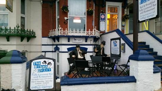 The Malvern Guest House & Blues Grill: Entrance