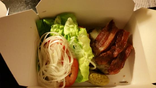 Deca Restaurant and Bar: Wagyu beef burger to-go!