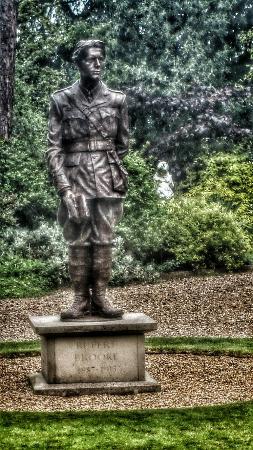 Grantchester Village: Statue of Rupert Brooke etc. Grantchester