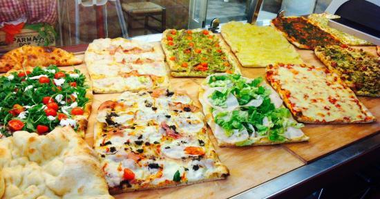Pizza In Famiglia
