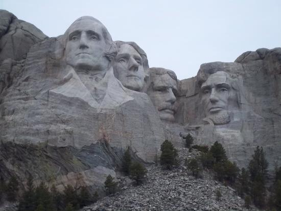 Mt. Rushmore's White House Resort: MT RUSHMORE