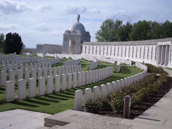 Camalou Battlefield Tours: Tyne Cot Cemetery