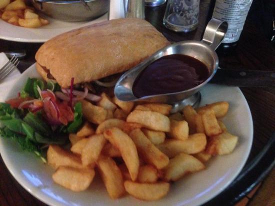 Queen's Cafe Bar